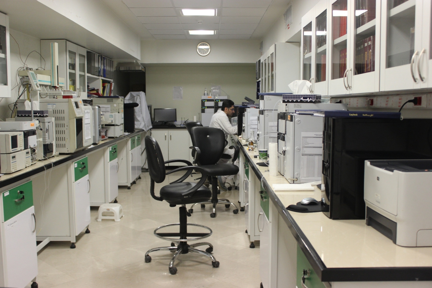 آزمایشگاه های دستگاهی و فیزیکوشیمیایی